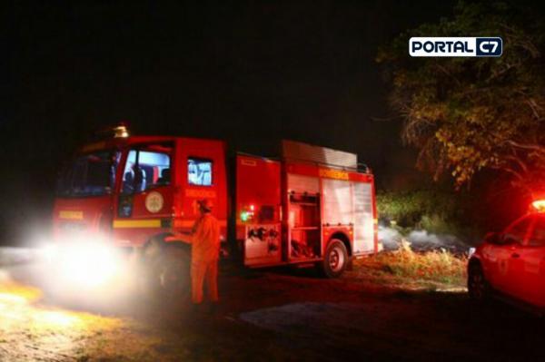 Veículo da Equatorial Energia pega fogo dentro de casa em município do Piauí