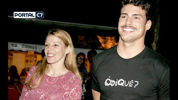 Morre Denise Reymond mãe do ator Cauã Reymond; câncer no ovário