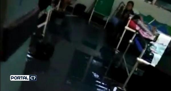 Água invade Hospital Regional de Picos durante forte chuva; vídeo