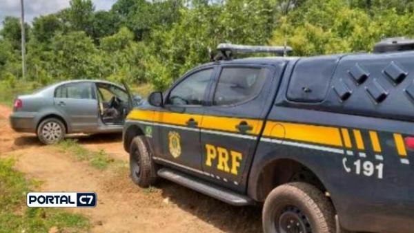 Amarante: Motorista com carro roubado foge da PRF em alta velocidade
