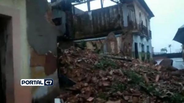 Casarão no Centro Histórico da capital maranhense desabou parcialmente com as fortes chuvas-Reprodução