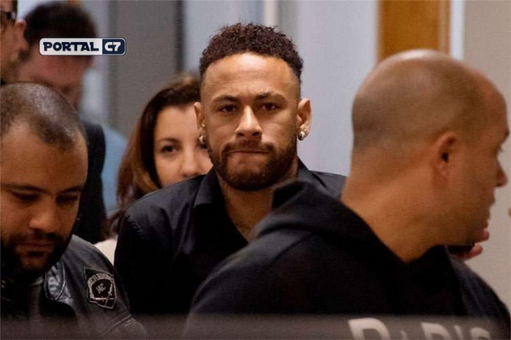 Neymar presta depoimento e agradece carinho de fãs e amigos: 'Me senti muito amado'
