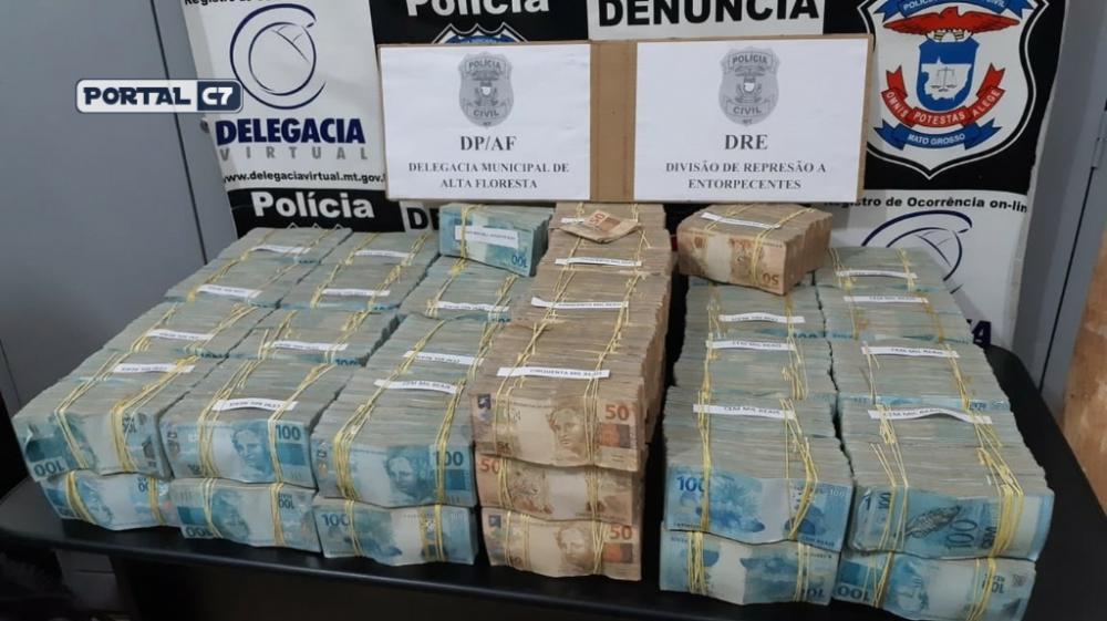 Avião com R$ 4,6 milhões em malas de dinheiro foi apreendido após pouso forçado em Alta Floresta/Foto: Polícia Civil de Alta Floresta (MT)