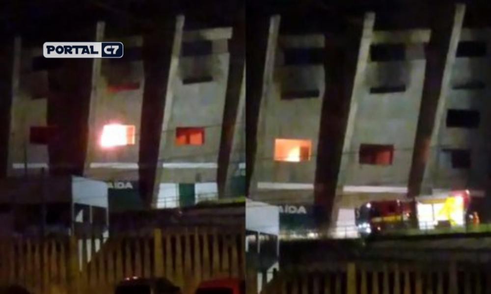 Incêndio atinge o estádio Albertão em Teresina/Imagens: Marcelo Cardoso