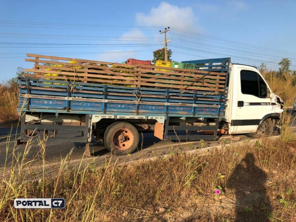 Grave acidente entre moto e caminhão deixa dois mortos na BR 316