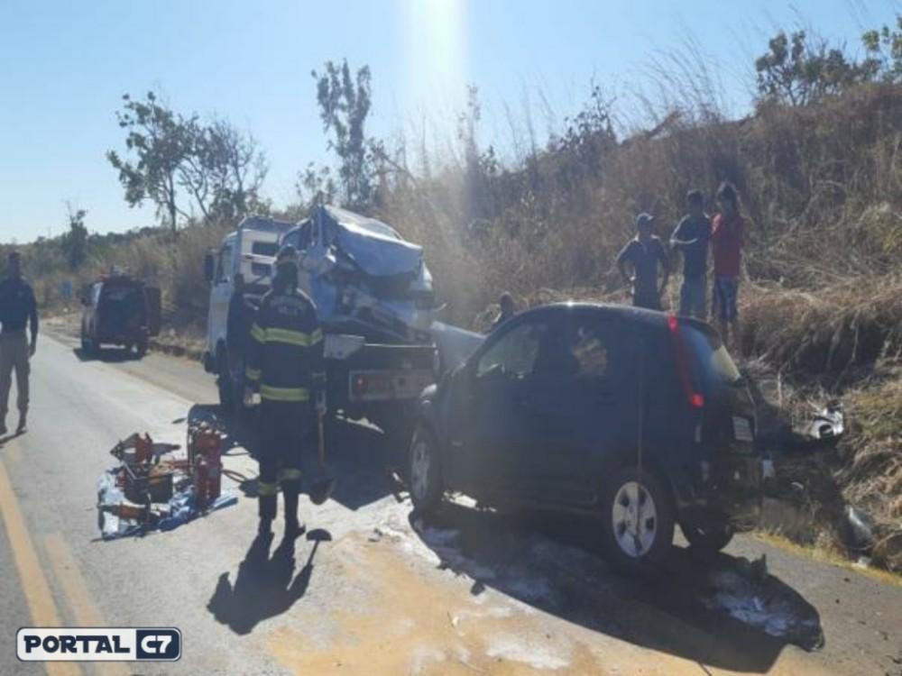 Família piauiense morre em grave acidente na BR-020 em Goiás