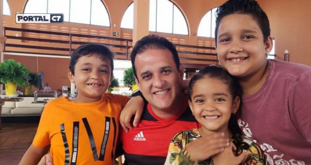 Prefeito Diego Teixeira com seus filhos