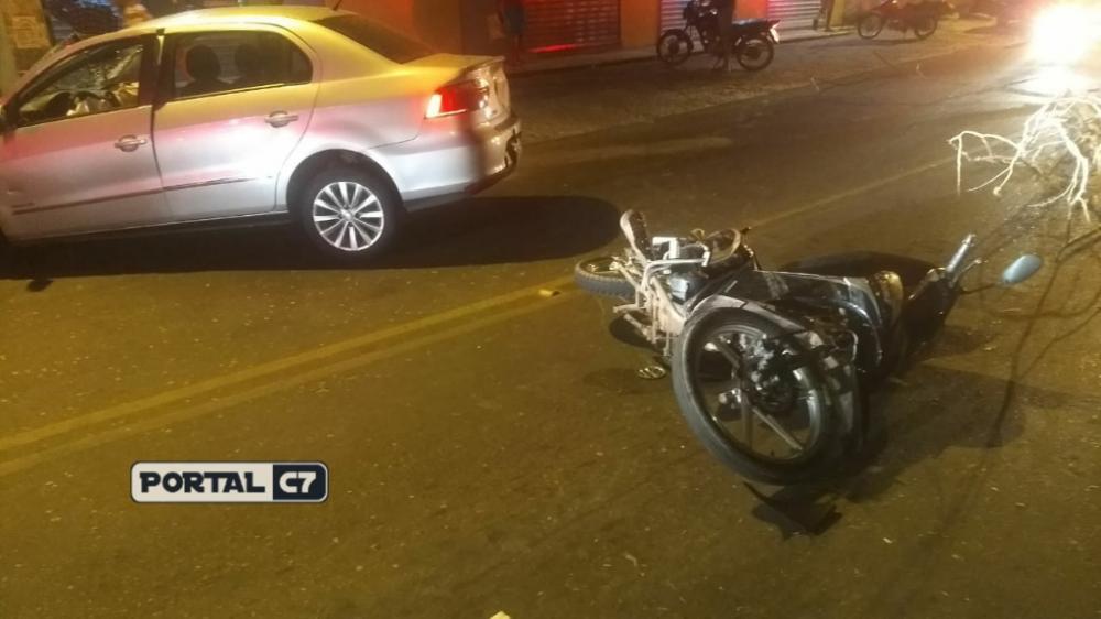Sargento ficou ferido após acidente entre carro e moto/Divulgação