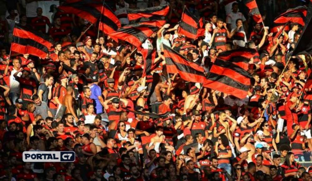 Datafolha indica que um de cada cinco brasileiros torce para o Flamengo(Celso Pupo/Fotoarena/Folhapress)