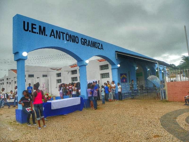 Unidade Escolar Antônio Gramoza Falta energia durante aplicação da prova do Enem