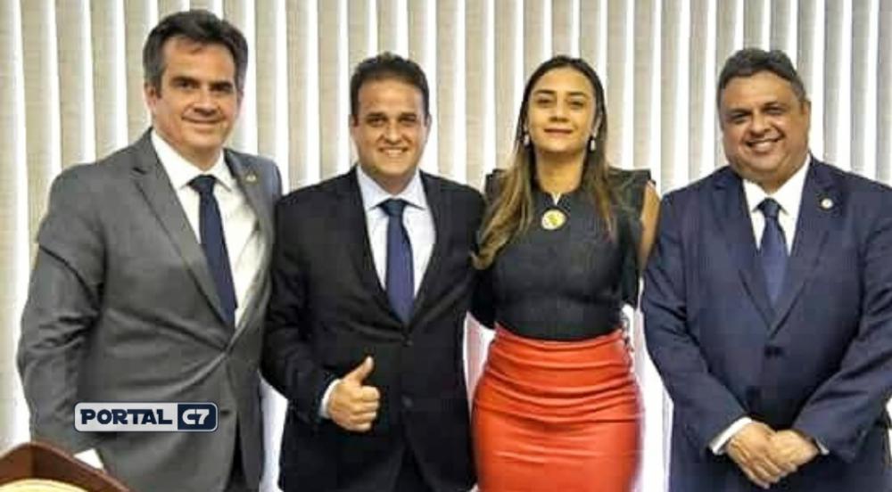 Senador Ciro Nogueira, prefeito Diego Teixeira, primeira-dama Ana Tércia Carvalho e deputado Júlio Arcoverde