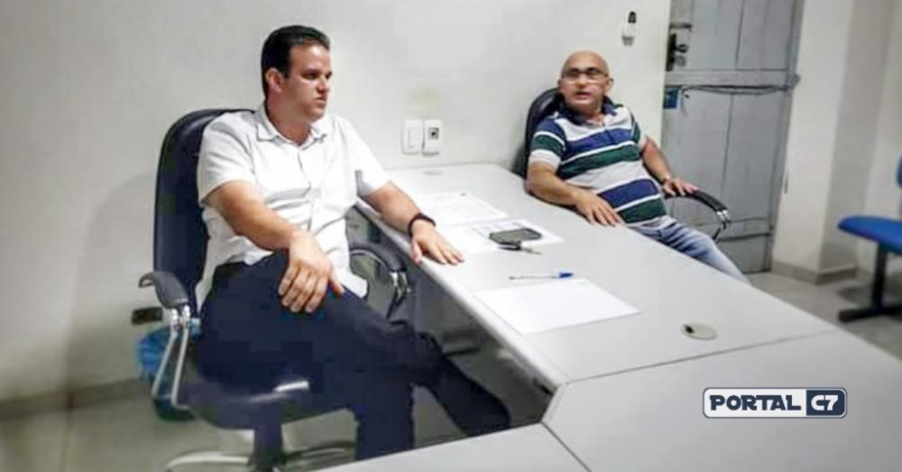 Prefeito Diego Teixeira ao lado do Pastor Josineide Amorim chefe de gabinete