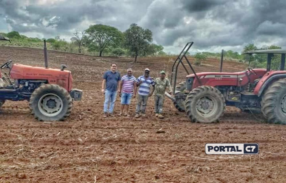 Prefeito Diego Teixeira na zona rural de Amarante