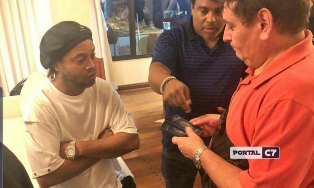 Ronaldinho Gaúcho é detido no Paraguai Foto: Divulgação