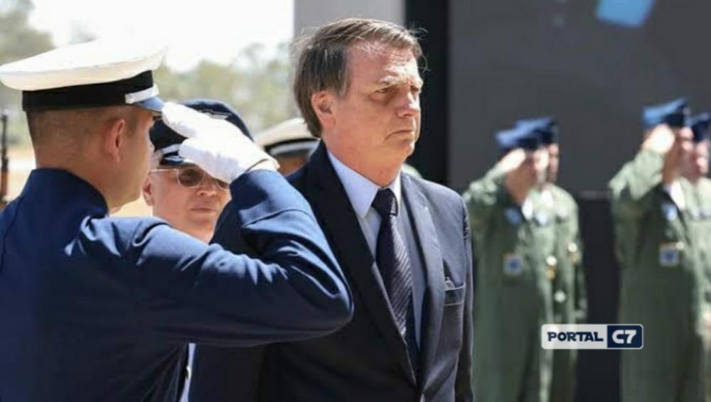 Jair Bolsonaro: presidente diz que pode mandar reabrir o comércio já na próxima semana, contrariando indicações de órgãos de saúde