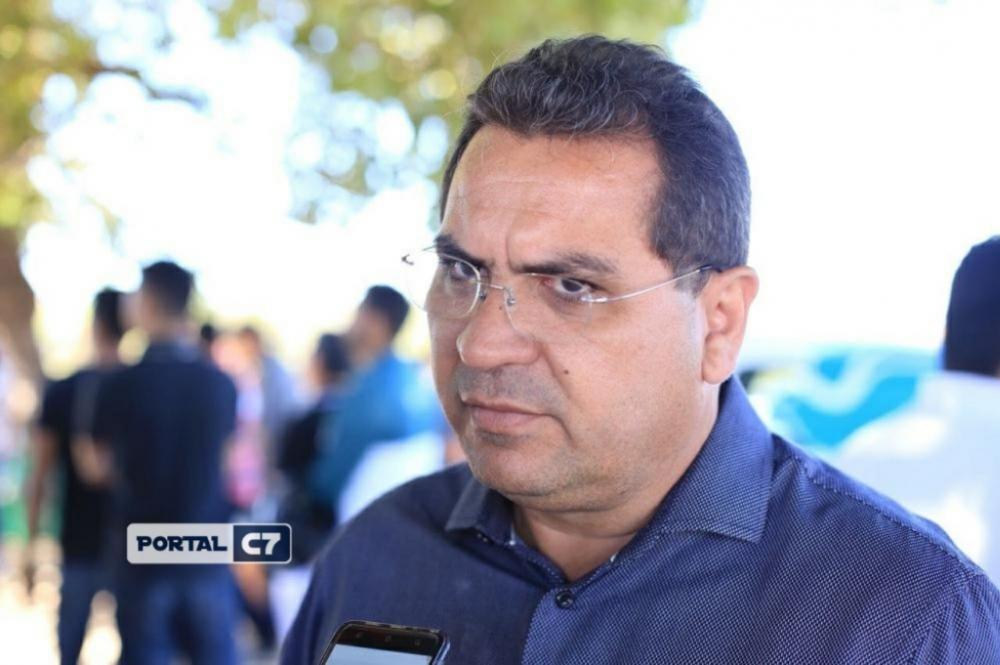 Prefeito de Demerval Lobão confirma que está com Covid-19