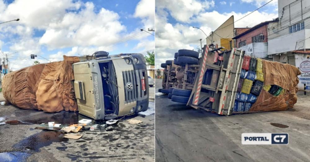Fotos: Brunno Suênio/Caminhão tombou na BR 316 em Timon