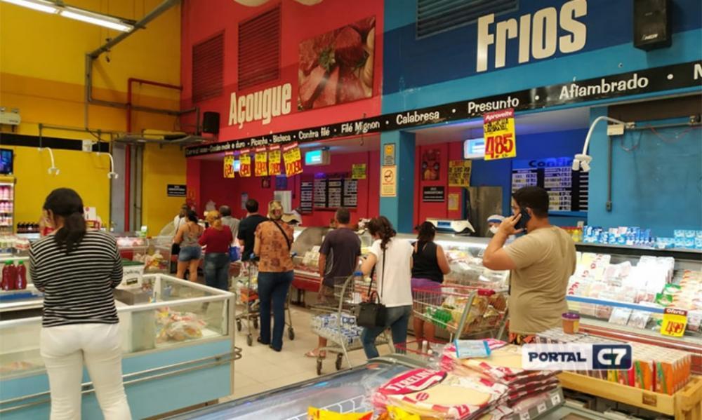 Justiça suspende liminar e manda fechar supermercados em Teresina