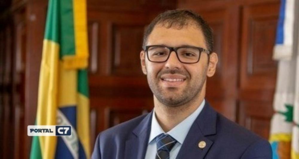 Deputado do PSL atira em advogado na porta de festa clandestina