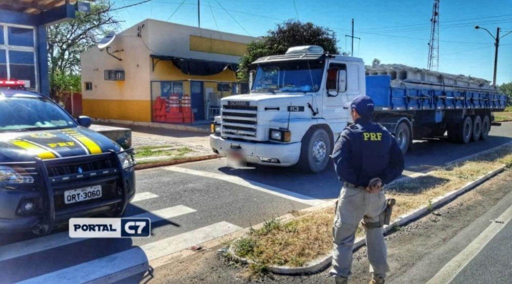 Carreta roubada há 22 anos em São Paulo é recuperada pela PRF no Piauí