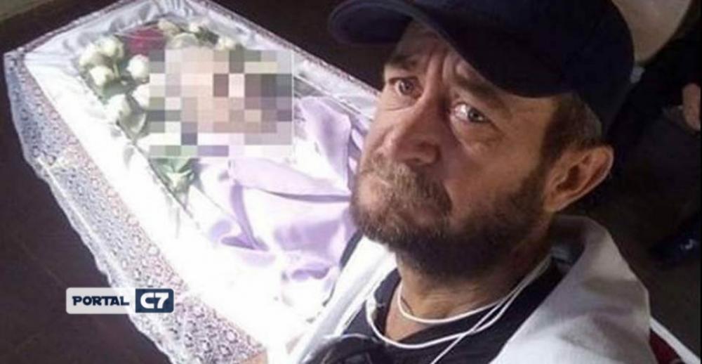 Um ano após enterrar a mãe sozinho, homem morre com 80% do corpo queimado