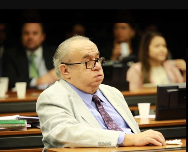 Deputado Heráclito Fortes recebe auxílio-moradia mesmo com casa em Brasília